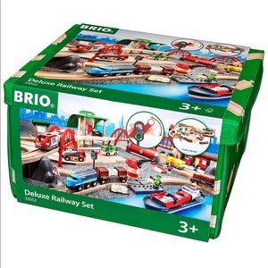 BRIO Deluxe Railway Set. NEW!